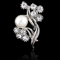 Chic Rhinestone and Faux Pearl Decorated Brooch For Women