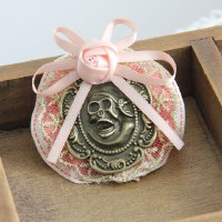 Vintage Skull Decorated Lace Flower Pattern Brooch For Women
