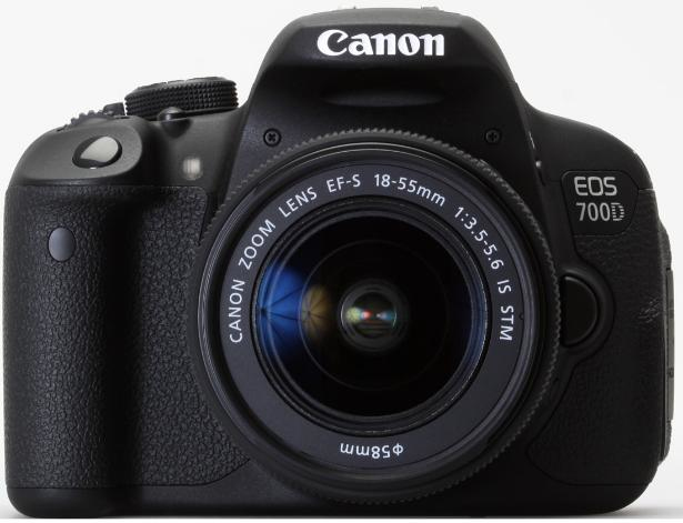 Canon EOS 700D + EF-S 18-135mm (8596B035)